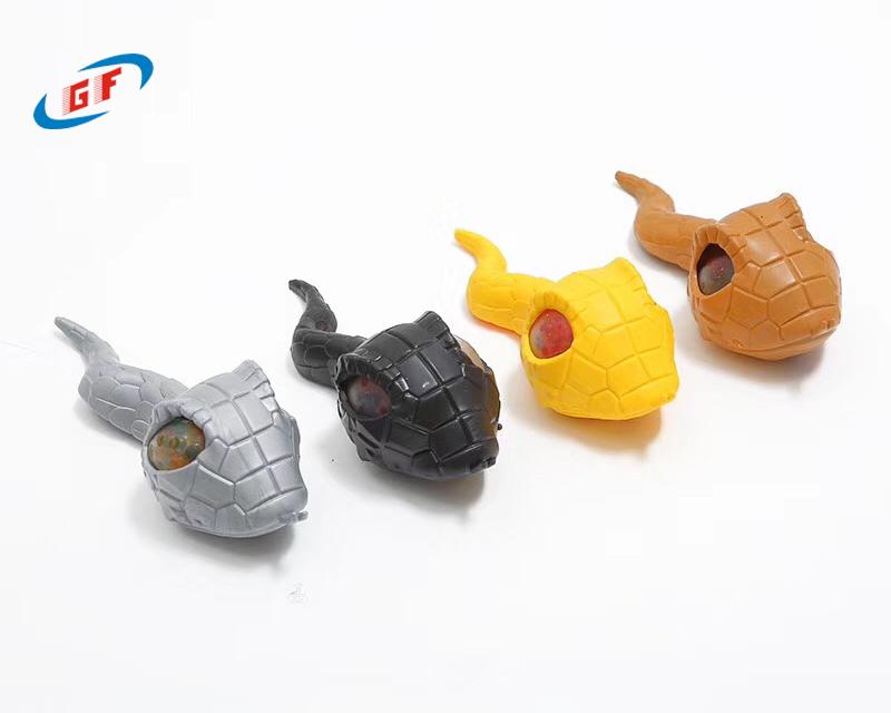 采用环保TPR原料生产儿童玩具,让企业品牌走的更远。